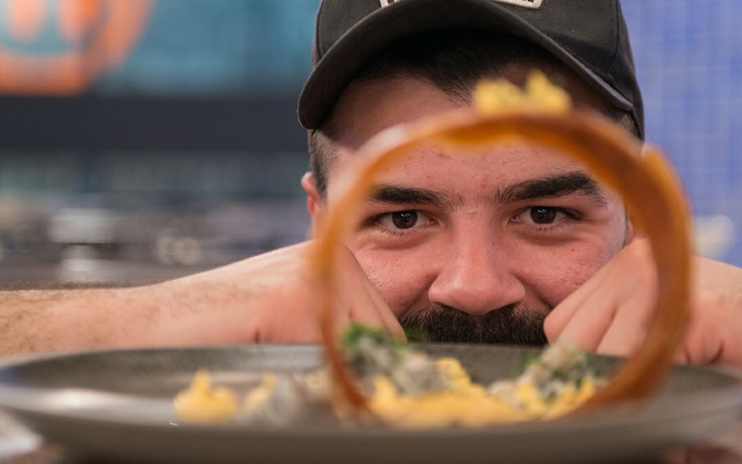 Q&A Βασίλης Χατζόπουλος, Mήπως ο επόμενος Master Chef βρίσκεται στο Fam Fiesta